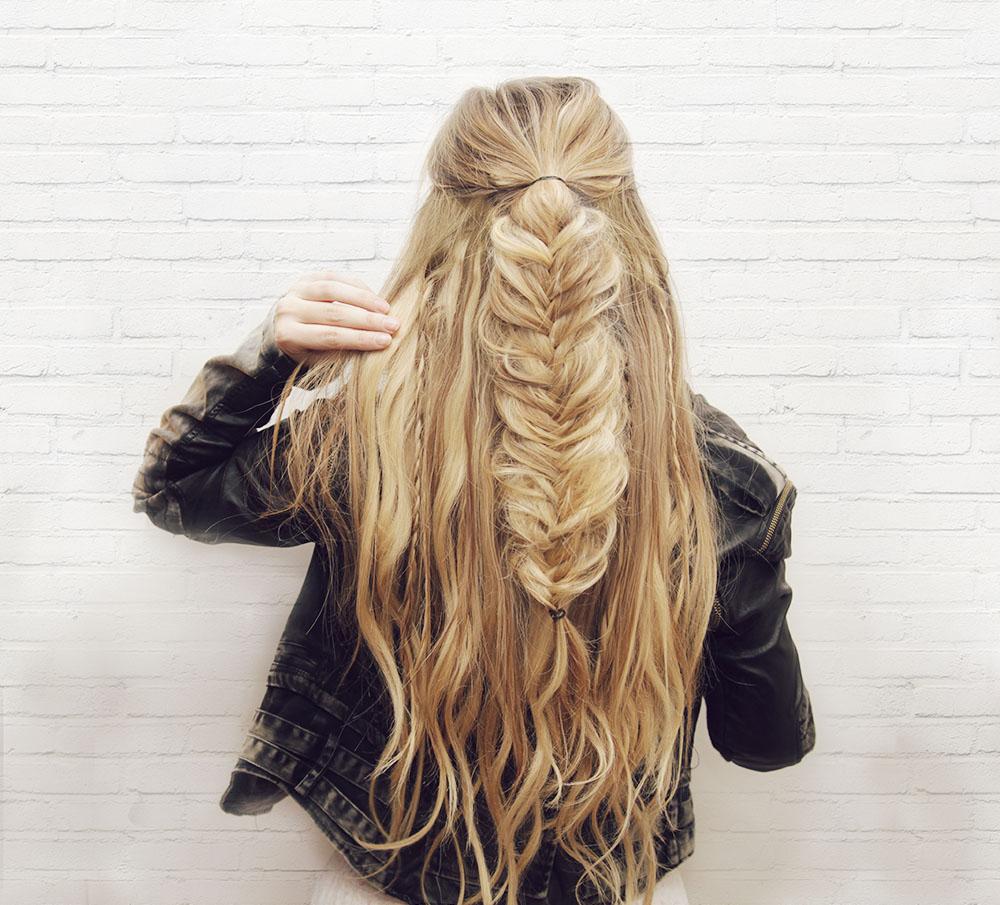 kassinka+half+up+fishtail+braid+hair+tutorial