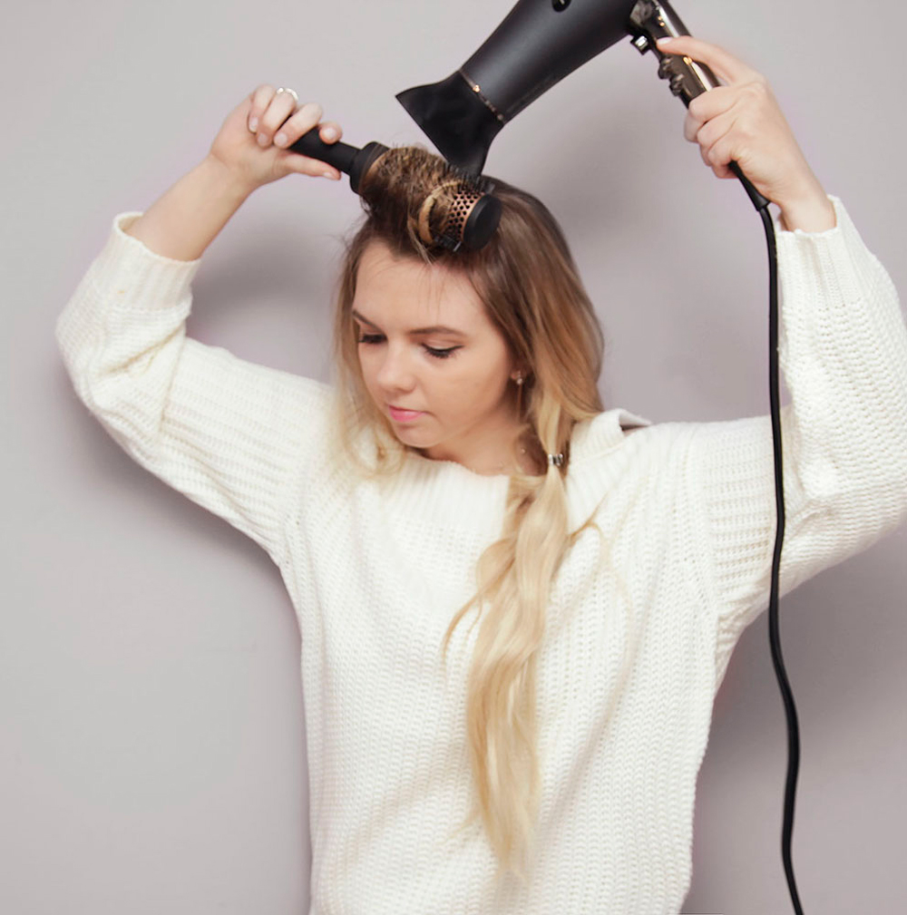 Kassinka-how-to-use-a-blow-dryer