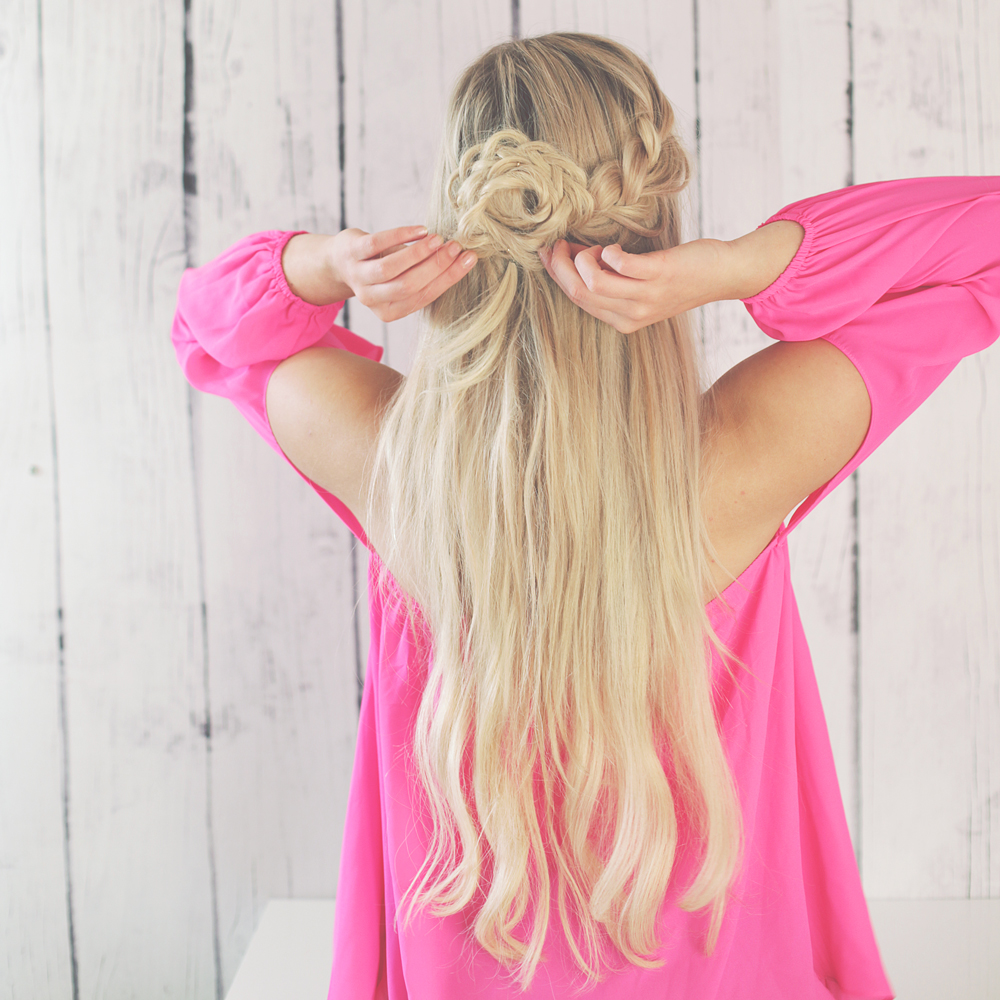 kassinka-hal-up-flower-braid